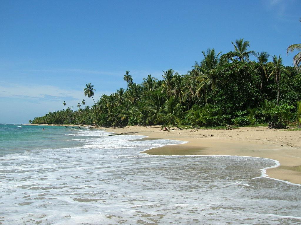 Playa_de_Punta_Uva,_Costa_Rica.jpg