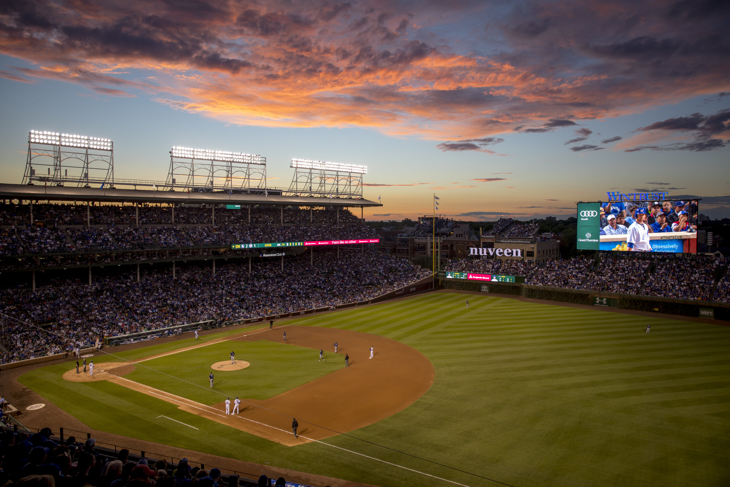 Nuveen_sign_at_Wrigley_Field,_Chicago_Cubs,_2017.jpg