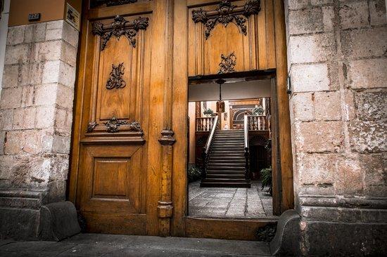 Street Entrance of Casa de Aliaga. Photo Courtesy of Trip Advisor