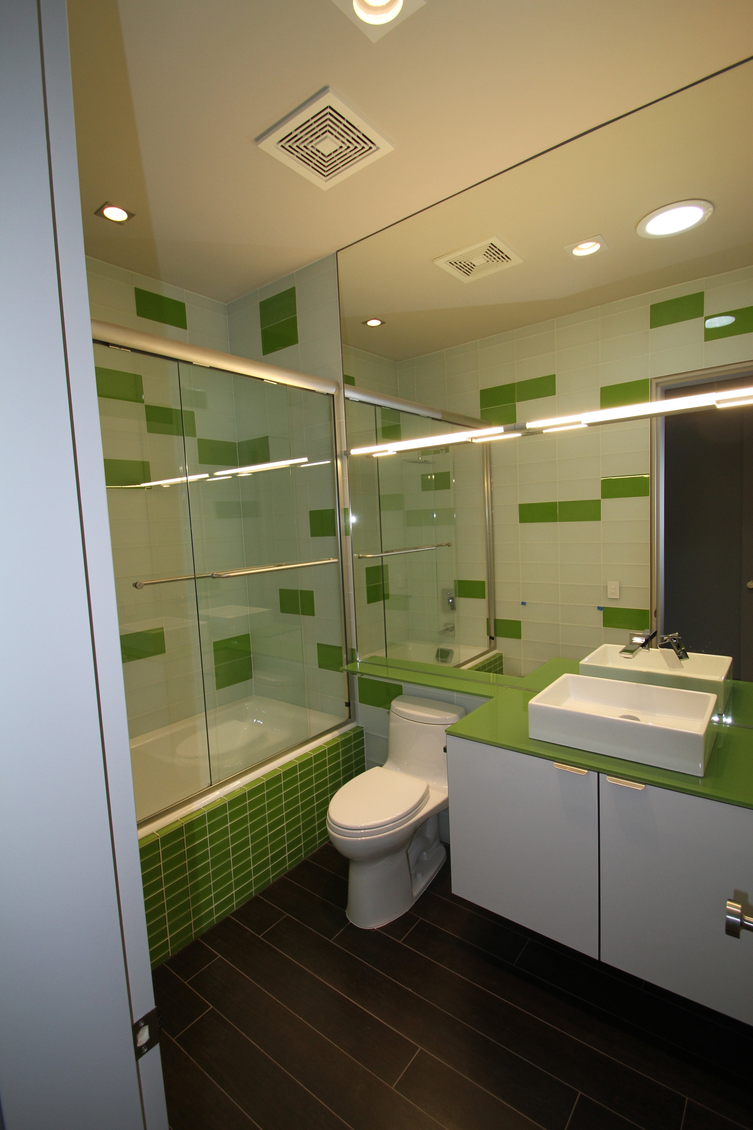 City Glass_Mirror and Shower 2_9800 Harney.JPG