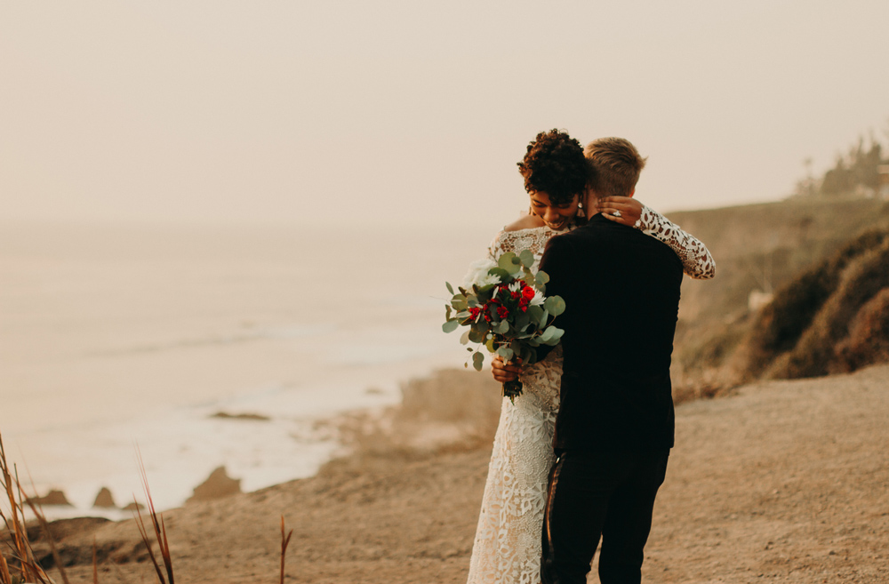 beach-elopement-malibu-sunset-jennycollen-los-angeles.jpg