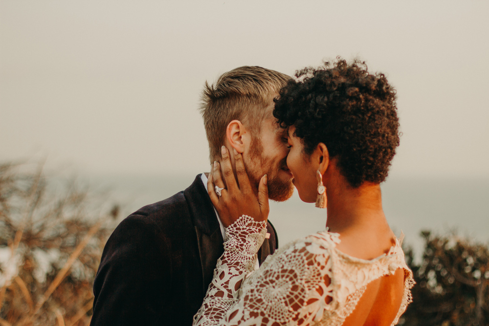 romantic-sunset-elopement-beach-malibu-los-angeles.jpg