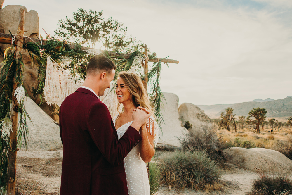 joshua-tree-wedding-elopement-jennycollen-los-angeles.jpg