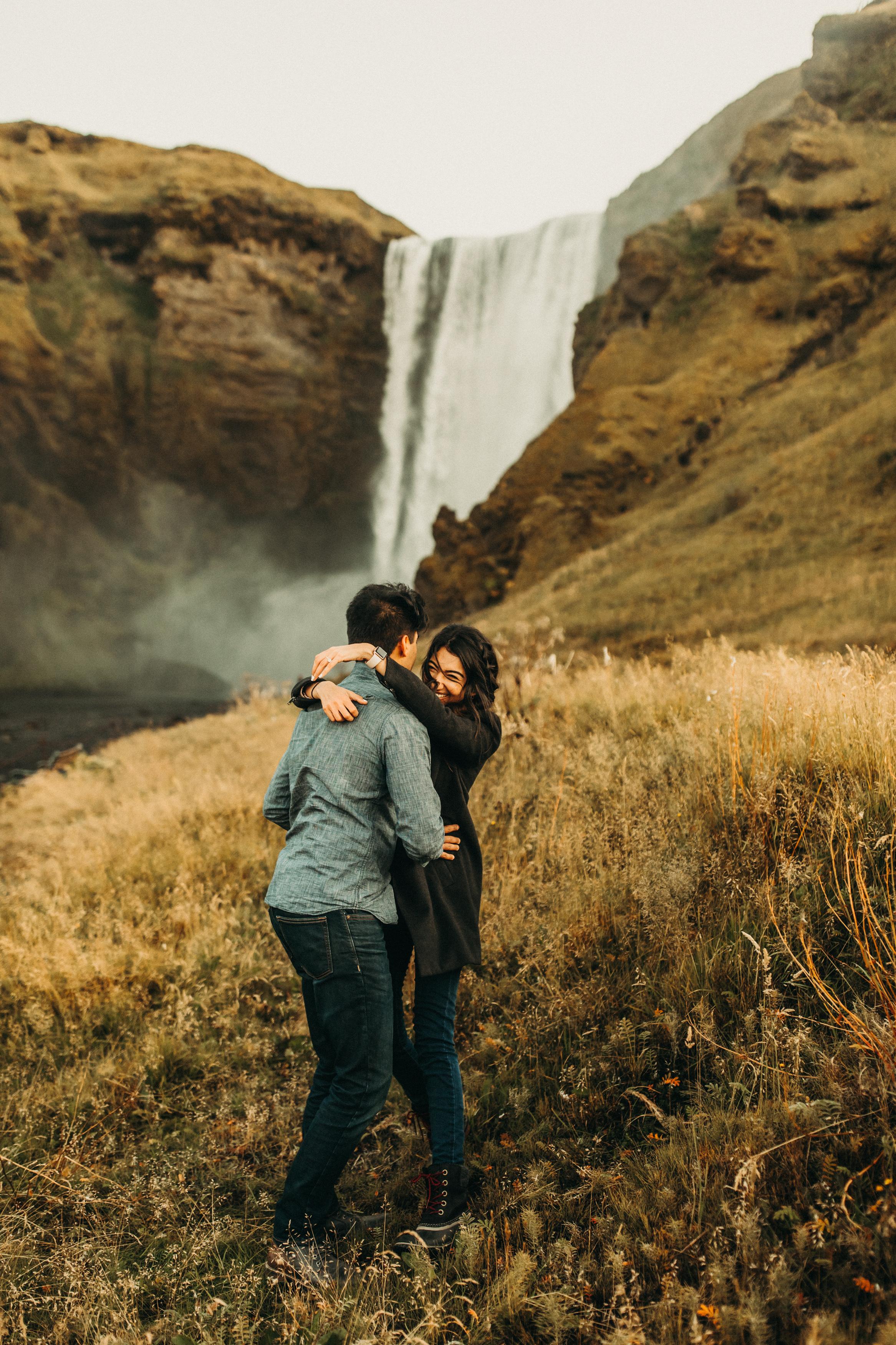 iceland-skogafoss-waterfall-engagement-photos