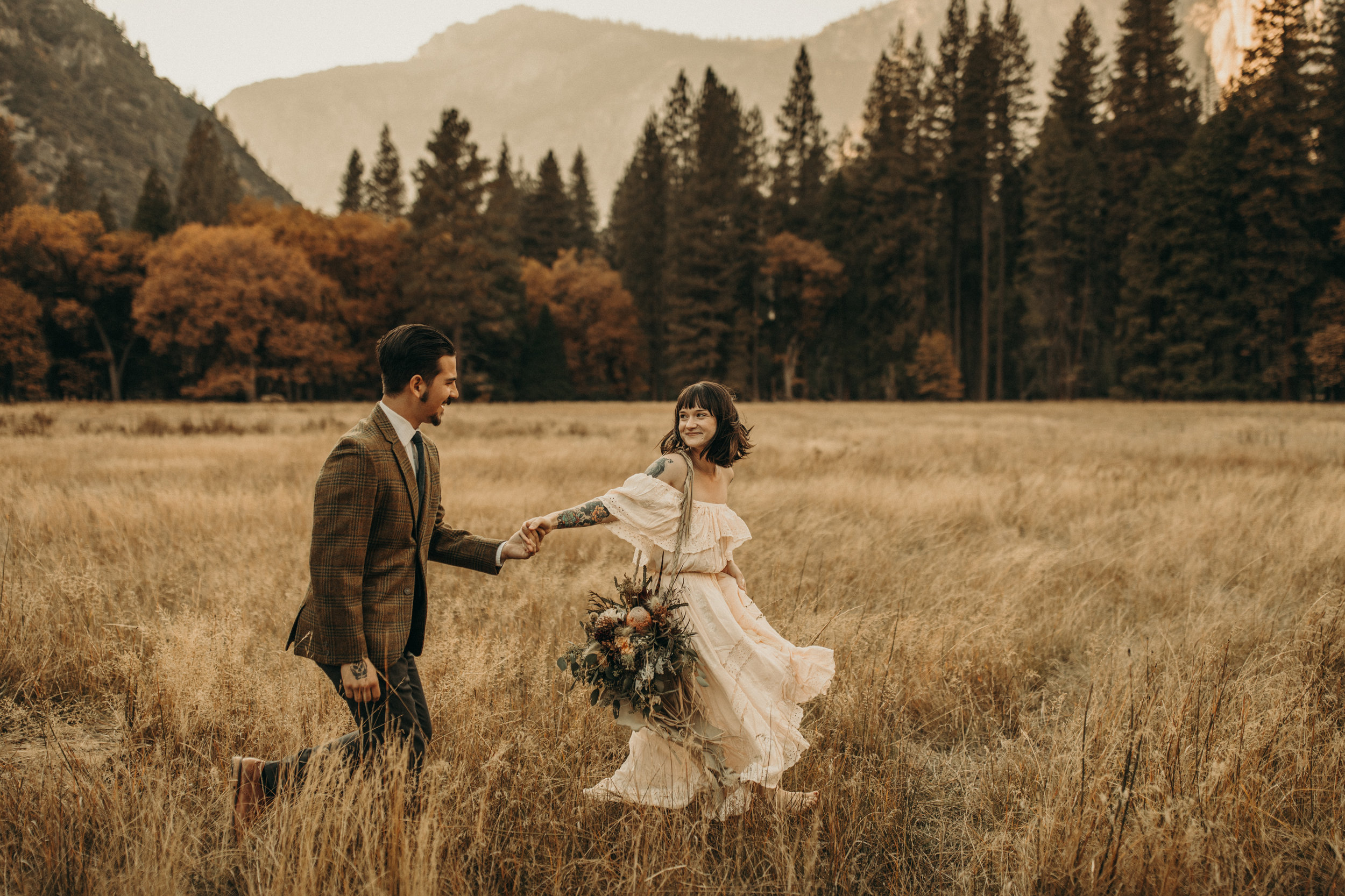 yosemite-valley-autumn-fall-golden-boho-elopement