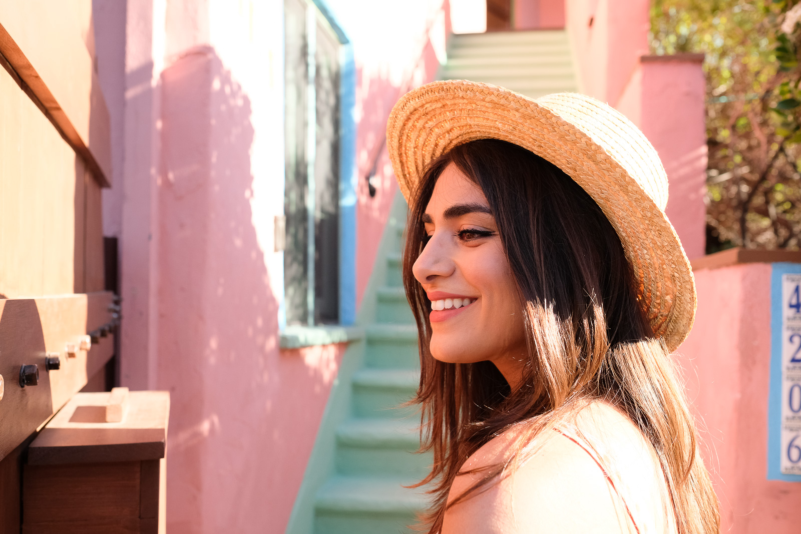Straw hat, pink and mint stairs