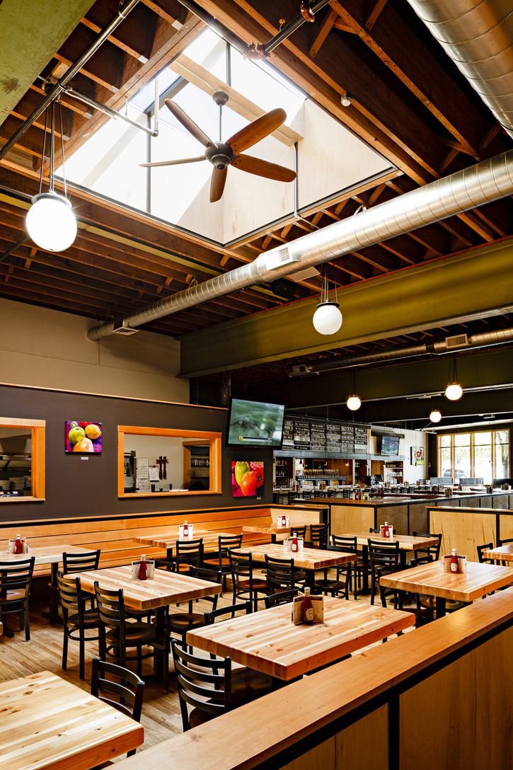 20120801-elliott-bay-brewery-skylight-interior.jpg