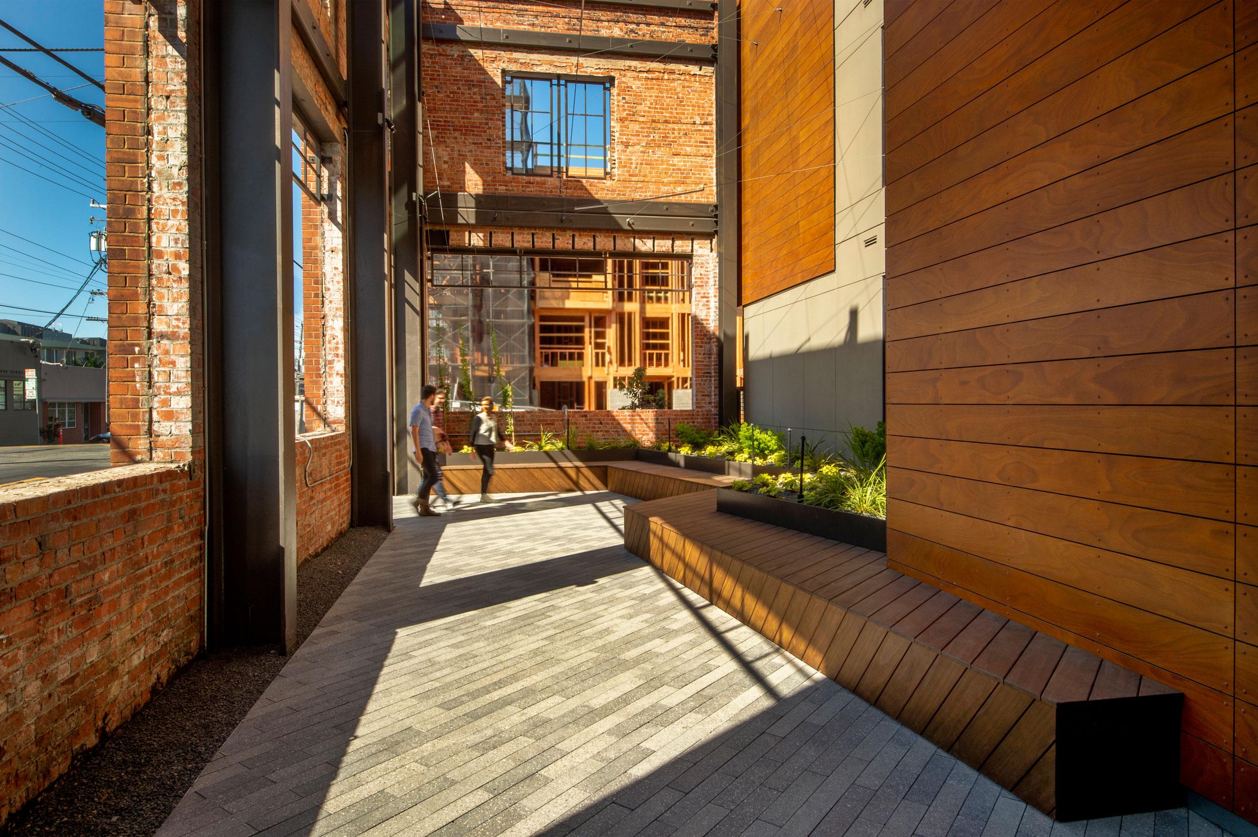 815-Courtyard-5.jpg