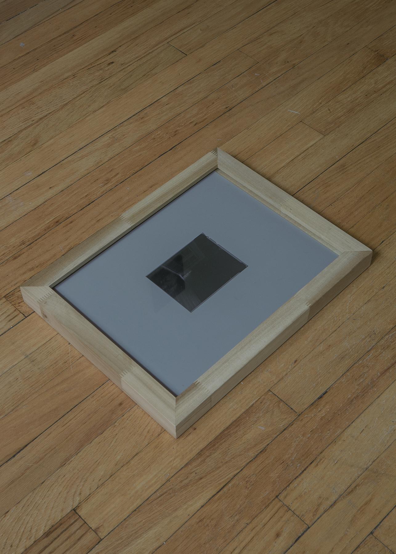 Kioto Aoki,  sight, ongoing,  Silver gelatin lumen print, contact frame, 2019