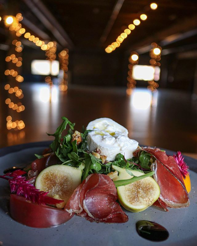 If you can't FIG-ure out what you want for lunch tomorrow, read this post! This week Chef David has whipped up a salad, but just any salad: Fire Stix| Arugula| Citrus Vinaigrette| Heirloom Tomato| House Cured Bresaola| Burrata| Candied Walnuts| Figs| Balsamic Reduction SERVED THURSDAY AND FRIDAY• • • • • • #aboutredlands #redlands #redlandsca #redlandsanyday #redlandscalifornia #food #foodphotography #buzzfeastfood #foodography #foodofinstagram #foodstyling #foodspotting