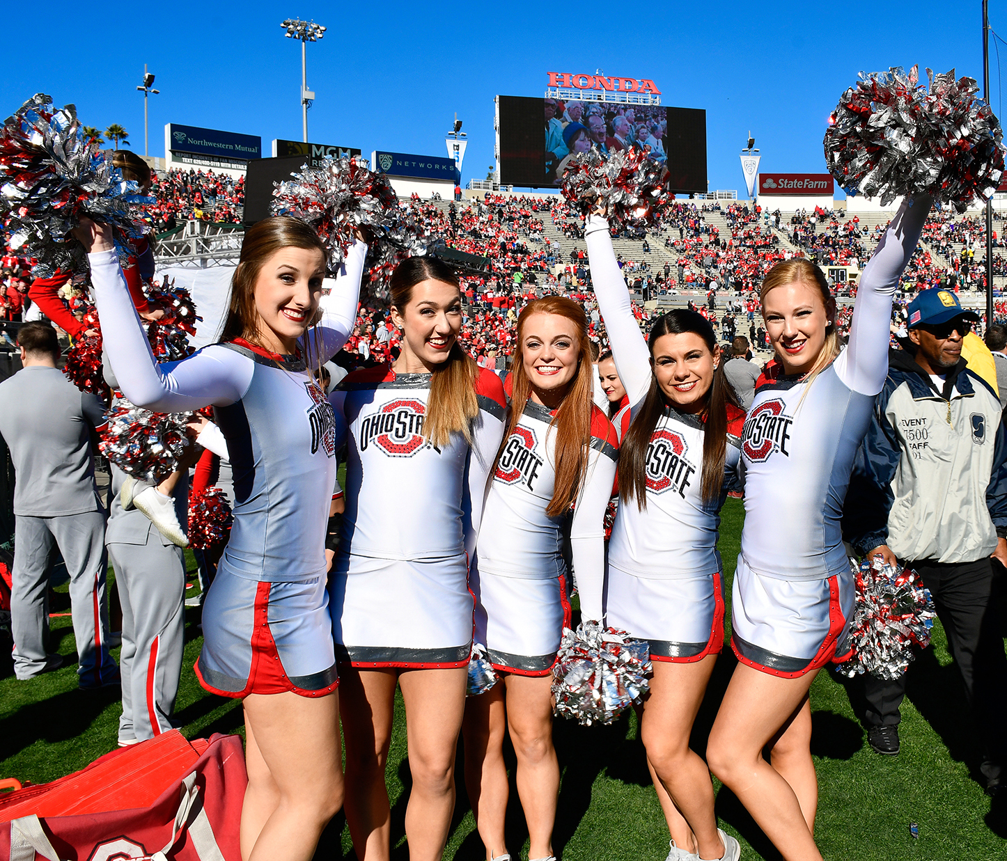Ohio State cheerleaders get ready for the kickoff!