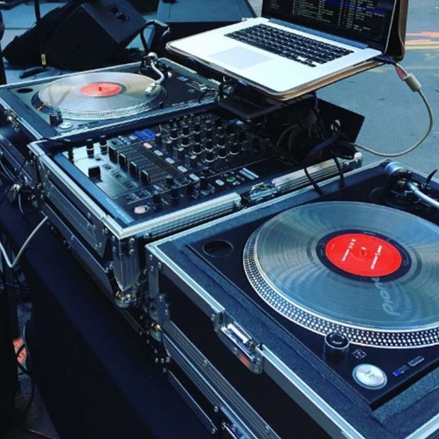 DJK ENTERTAINMENT at COVET MARKET | Enjoy a vibrant atmosphere with fun tunes from local musical artist and DJ, Kareem, of DJK Entertainment. Sounds like a Sunday Funday! • • • #chicagoweekend #chicagobucketlist #insta_chicago #thingstodoinchicago #weekendmarket #makersmarket #handmademarket #artistsmarket #covetmarket #artist #foodie #decor #homewares #interiordesign #fashion #furniture #accessories #jewelry #apothecary #selfcare #wellbeing #designservices #healthandwellness #chicago #windycity #smallbusiness #localbusiness #handmade #shoplocal #shophandmade