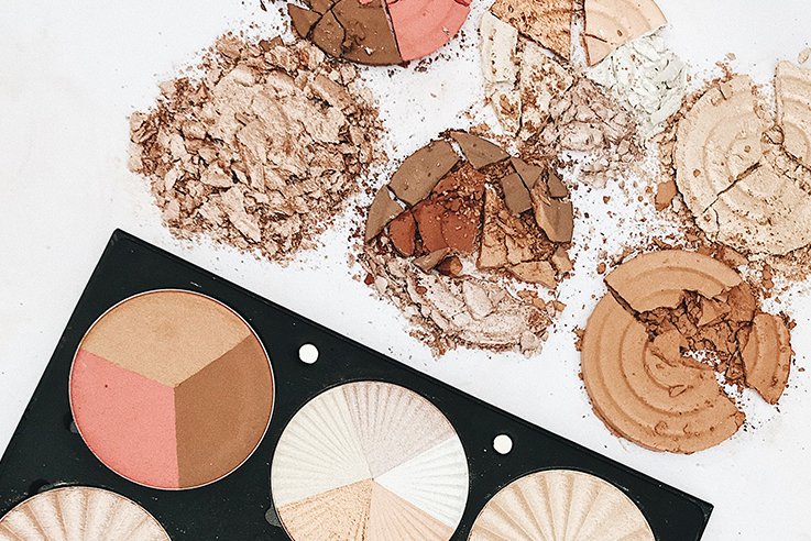 Professional Makeup Palette On The Glow