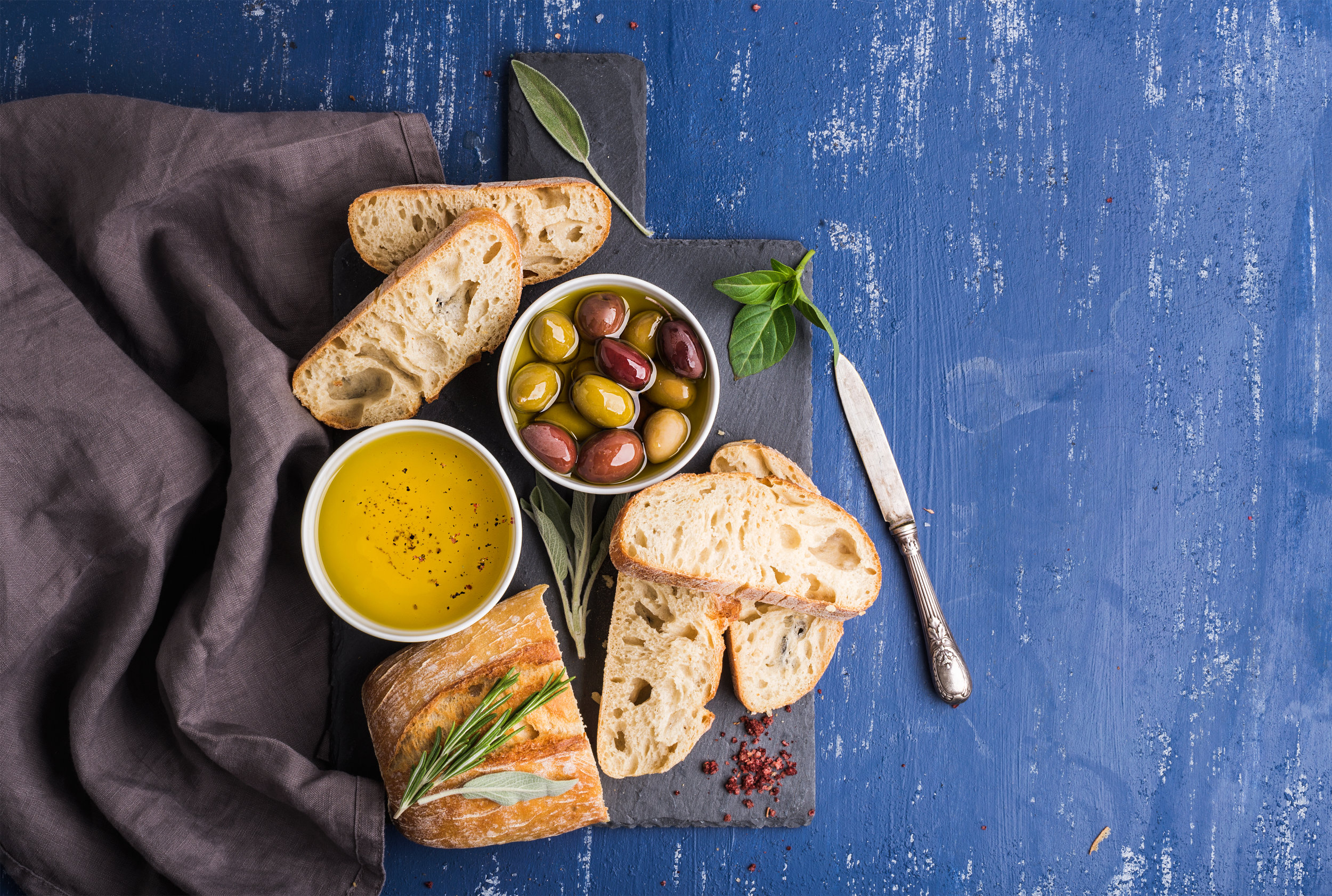 mediterranean-snacks-set-P3W7FJT.jpg
