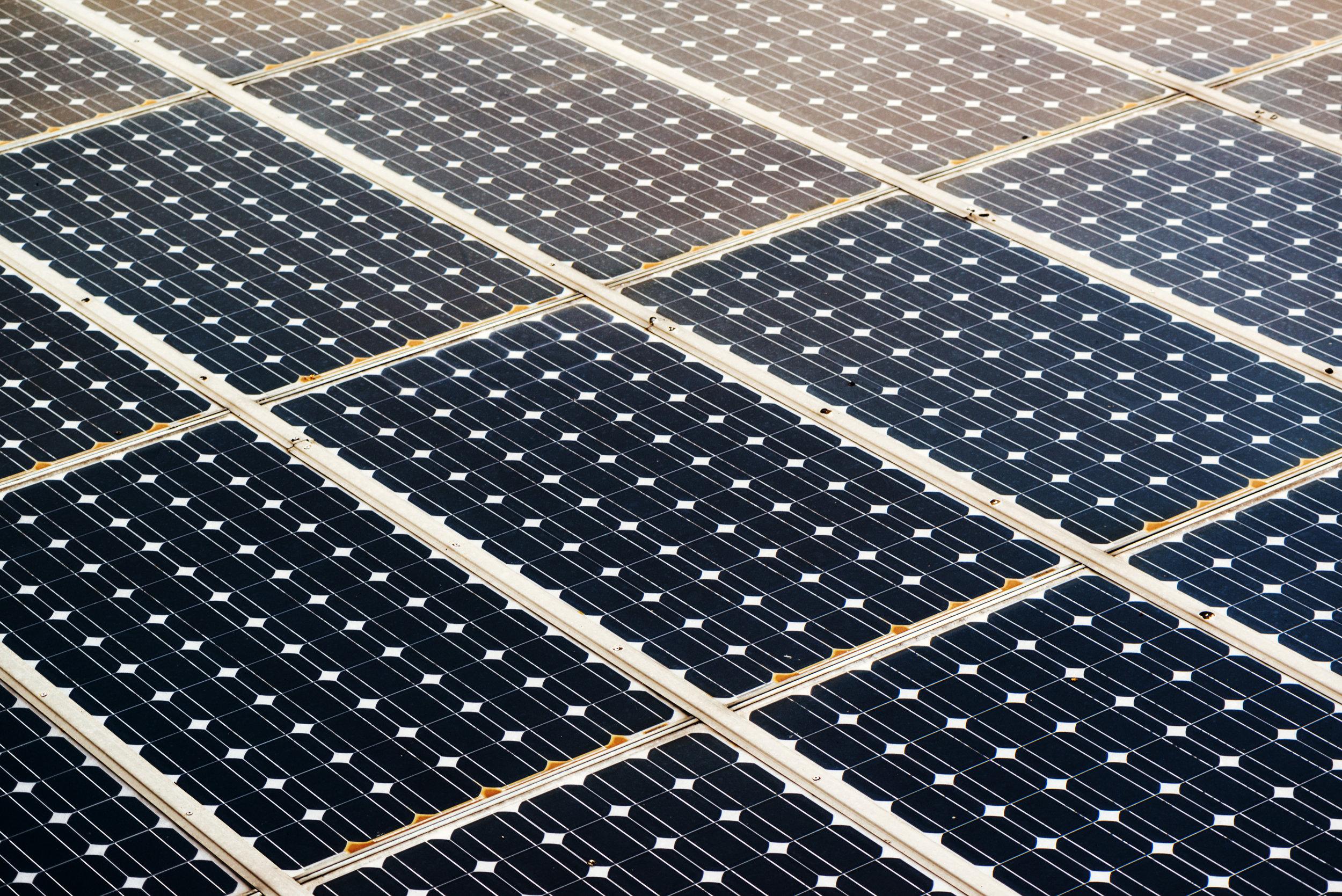 solar-panel-surface-P99FYMX.jpg