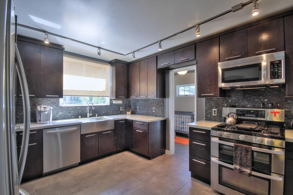 Tiffin Kitchen.jpg