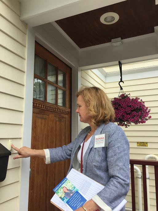 Donna on the doors.JPG