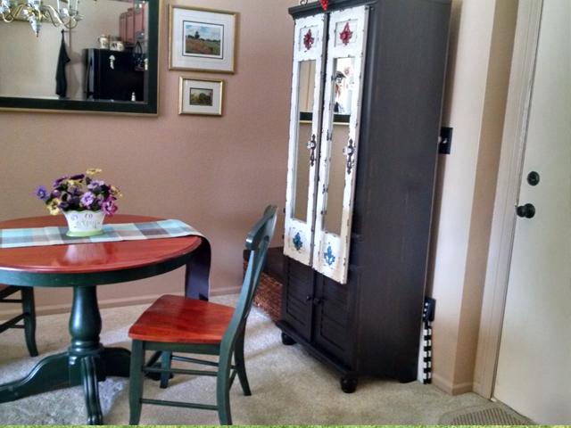 Dining Room with door to Garage.jpg