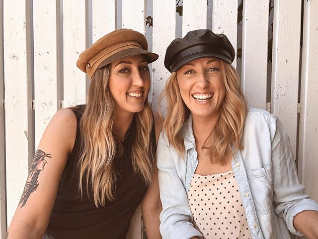 The cutest duo✨👯♀️ @laurenstalcuphair X @andi_easteighteenth . . . . . . #easteighteenth #badhabitsgoodhair #coffeedose #duo #bestfriends #ochairsalon #ochairstylist #salonfamily #hair #hairstylist #oc #costamesa #orangecounty