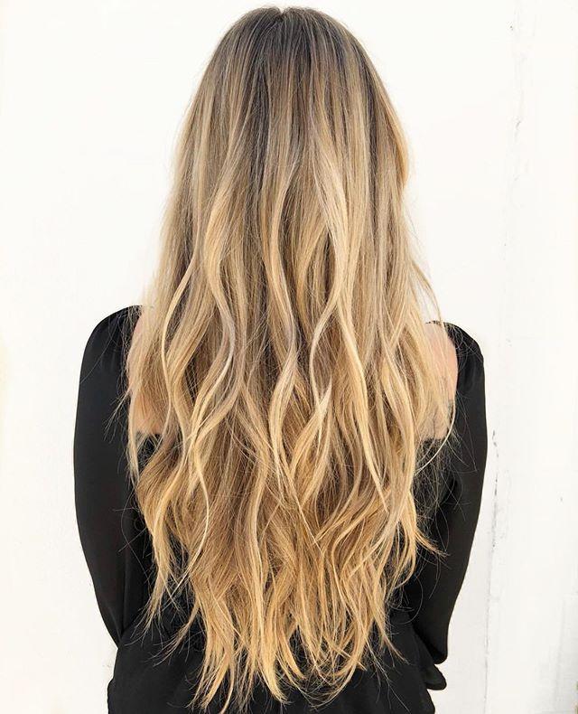 long | b l o n d e | locks Hair By : @jilljordan_hair . . . . . . #easteighteenth #badhabitsgoodhair #coffeedose #hair #haircolor #blonde #blondehair #longhair #highlights #balayagehighlights #beachwaves #behindthechair #oc #ochairsalon #ochairstylist #orangecounty #costamesa