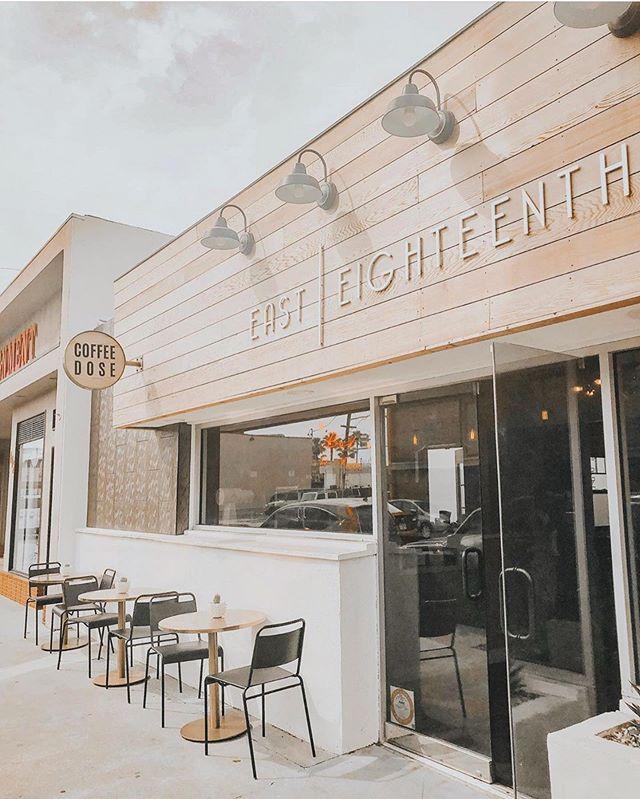 Love this shot of our salon + coffee bar duo✨ 📸 : @thevacayful . . . . . #easteighteenth #badhabitsgoodhair #coffeedose #hair #coffee #oc #ochairsalon #costamesa #orangecounty