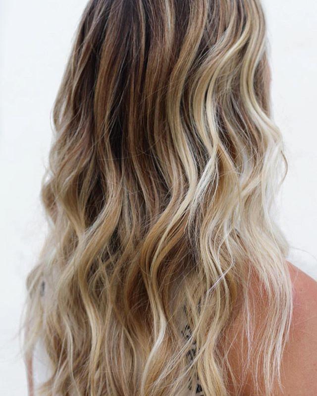 dimensional yagé | by @laurenstalcuphair . . . . . #easteighteenth #badhabitsgoodhair #coffeedose #haircut #haircolor #hair #balayage #balayagehighlights #lowlights #longhair #beachwaves #blonde #ochairsalon #ochairstylist #behindthechair #oc #orangecounty #costamesa