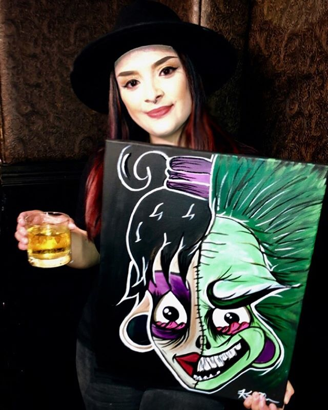 What an experience, my first time doing live painting onstage in front of an audience. Creepy cartoon mash-up of Beetlejuice & Lydia Deetz done in 50 minutes😳 Thank you everyone who came out to support & thank you @bobbieburlesque & @seductionburlesque for the opportunity🖤