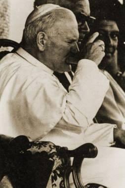 John Paul II drinking kava in Fiji in 1986