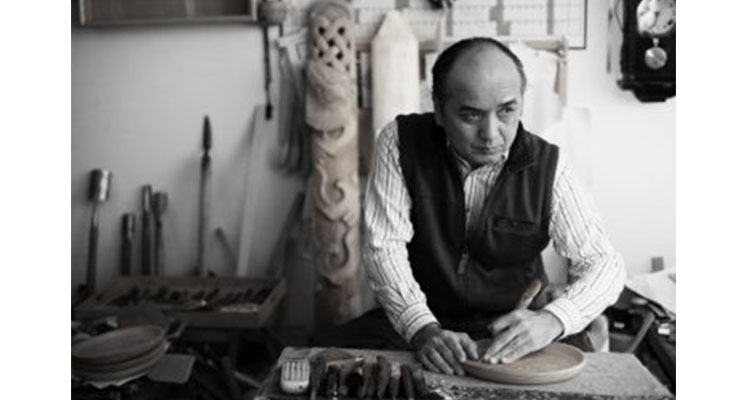 Photo by Tetsuya Iwasaki with courtesy of Nibutani Folk Handicraft Association