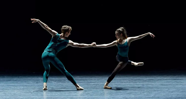 Brian Simcoe and Kelsie Nobriga in William Forsythe's In the Middle, Somewhat Elevated. Photo by Yi Yin