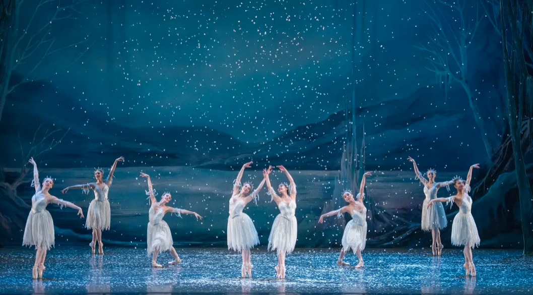OBT company dancers and OBT2 dancers in Oregon Ballet Theatre's 2017 production of George Balanchine's The Nutcracker®. Photo Yi Yin