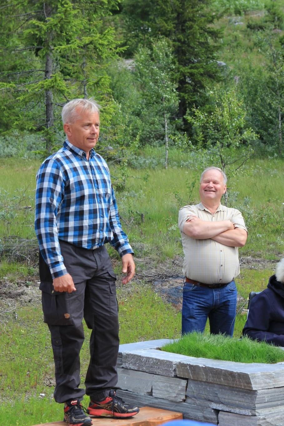 Fylkesmann Knut Storberget og styreleder i Langsua nasjonalparkstyre Olav Olstad