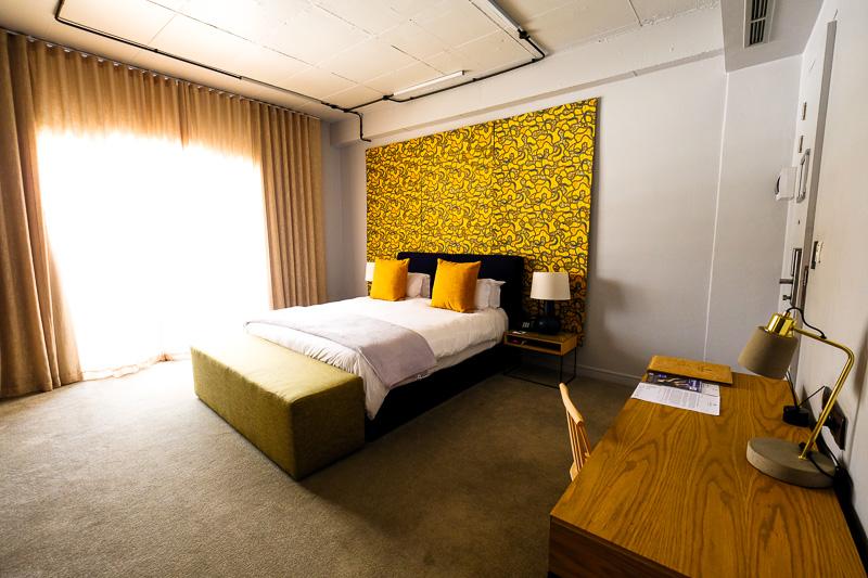 Hotelzimmer im Hallmark House