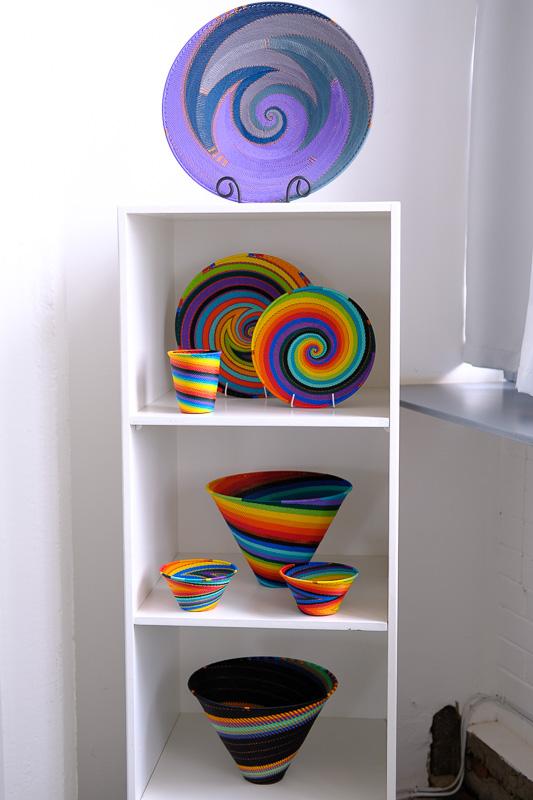 Gefäße aus Telefonkabel in einem besonders aufwendigem Design