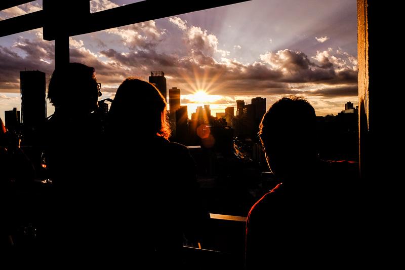 Sonnenuntergang mit Blick auf die Skyline von Johannesburg