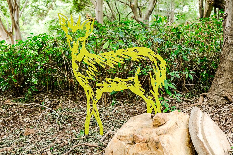 Duiker, eines der Kunstwerke von James Delaney, die er für den Park entworfen und aufgestellt hat.