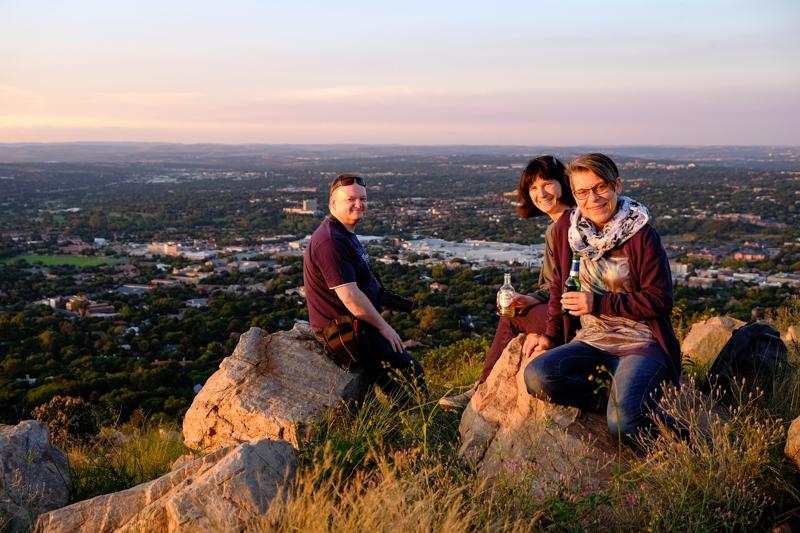 Hier bin ich mit meinen Freunden Markus und Carola zum Sundowner in Northcliff.