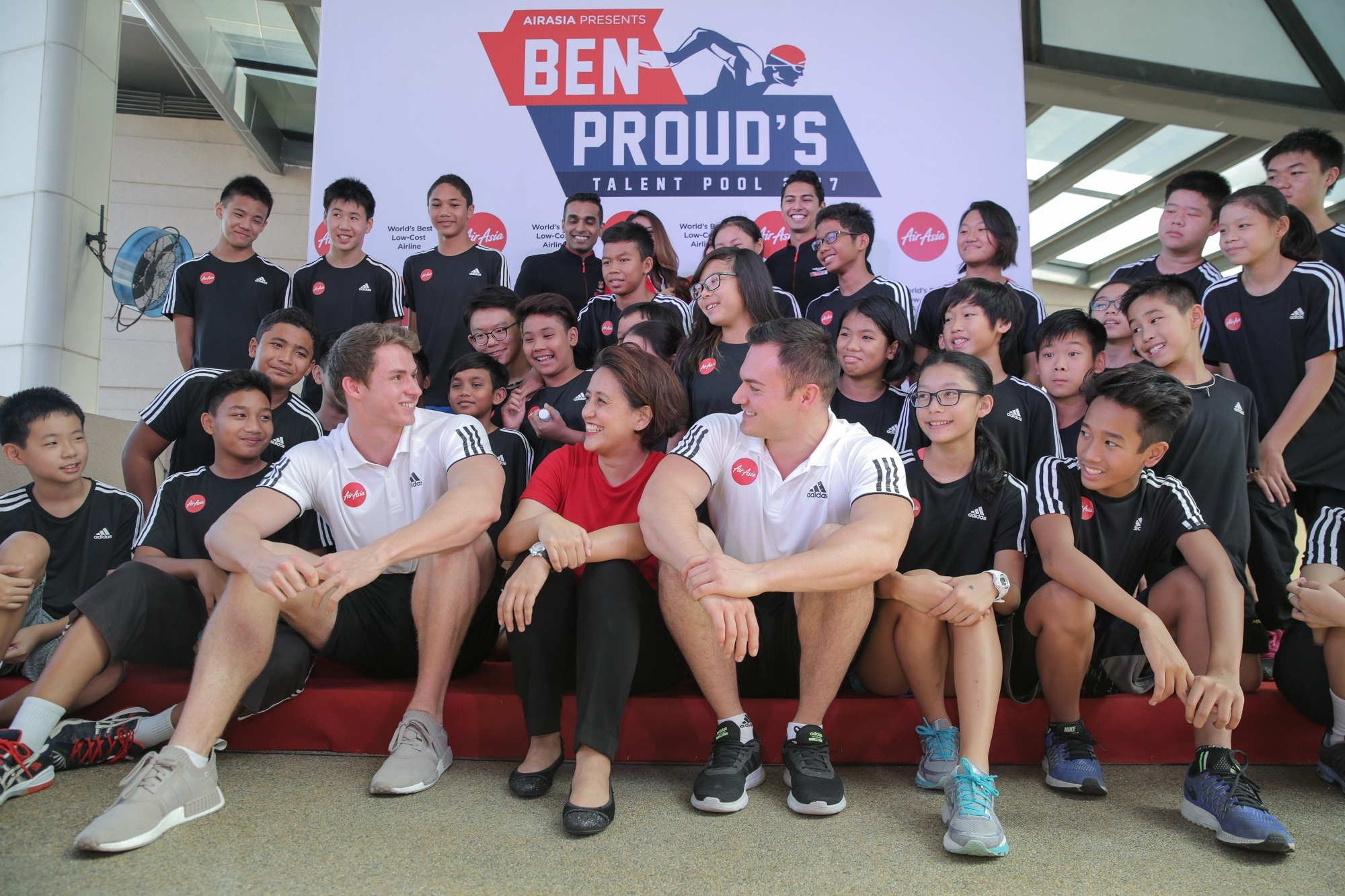 AirAsia partners with British Olympic swimmer Ben Proud.jpg