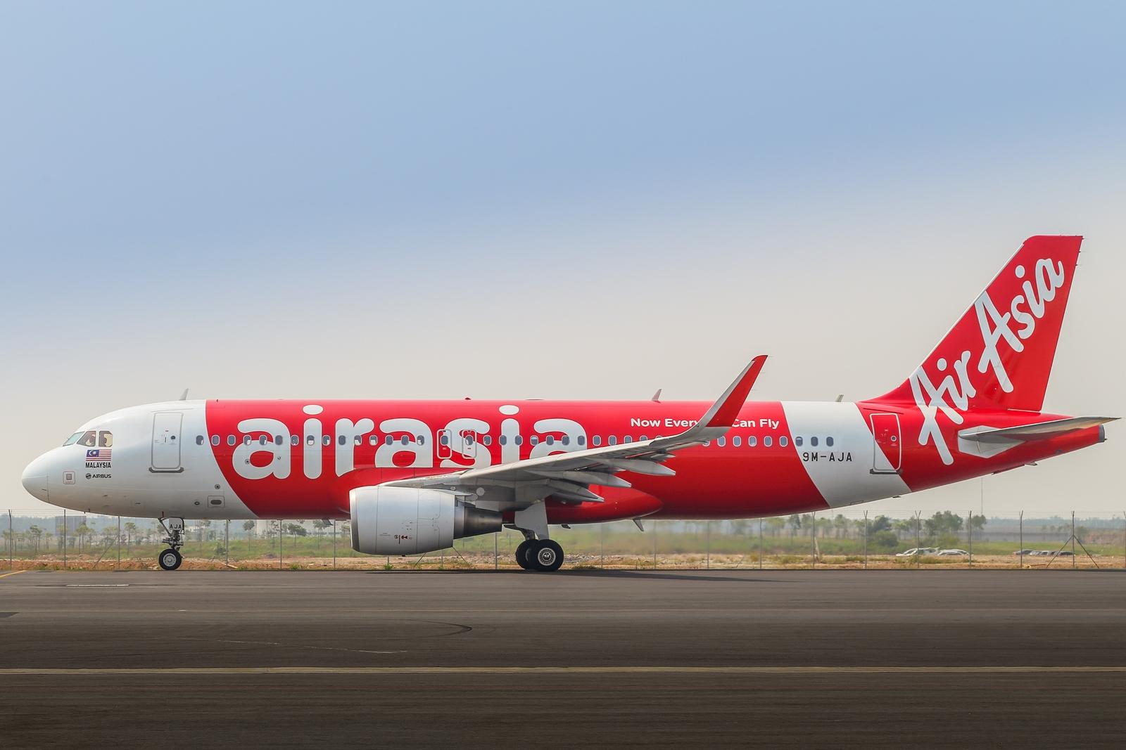 AirAsia orders 14 more A320ceo.JPG