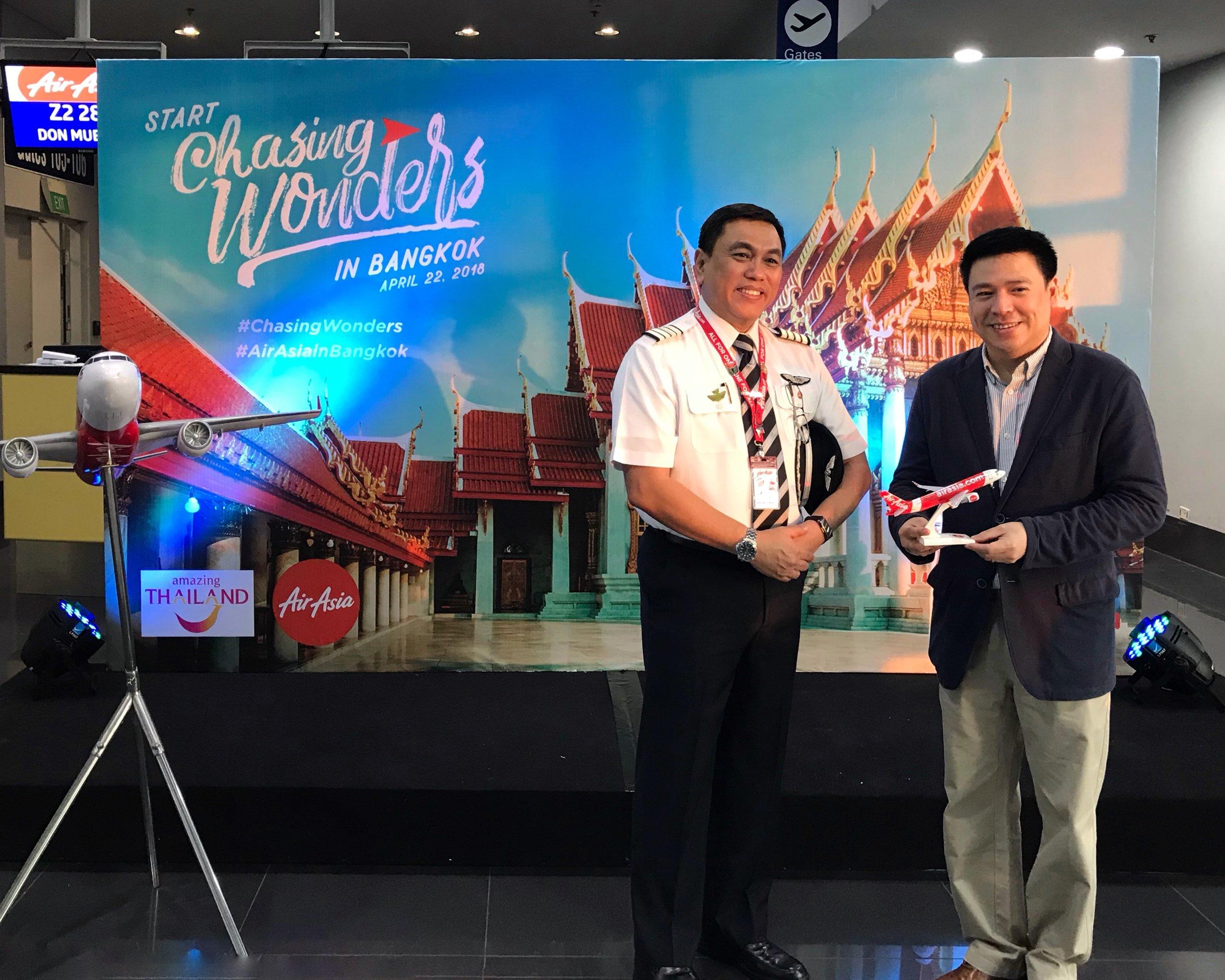 AirAsia Philippines CEO Capt. Dexter Comendador and Tourism Authority of Thailand Director Kajorndet Apichartrakul #AirAsiainBangkok