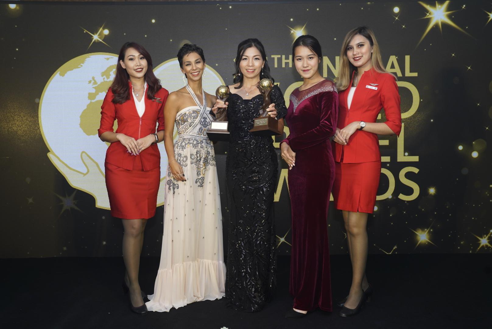 2018ワールド・トラベル・アワード授賞式に出席したエアアジア 香港・マカオ地区CEO セリア・ラオ(中央)