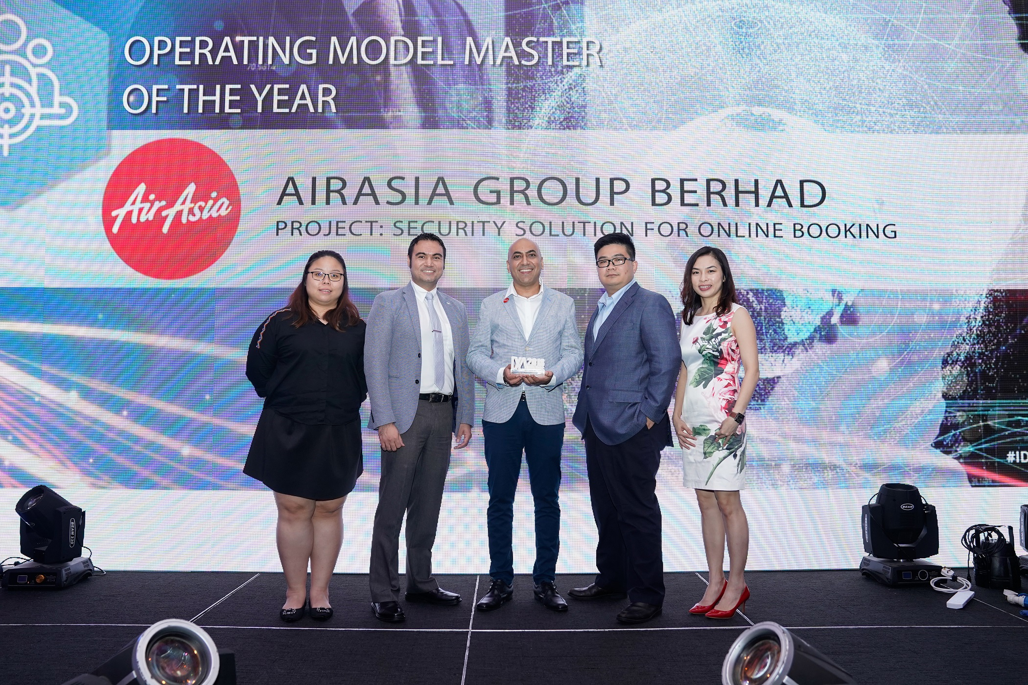 Photo Caption: (From left) AirAsia Web Fraud Analyst Michelle Lee, IDC Asean Managing Director Sudev Bangah, AirAsia Head of Project Management Office (ICT) Jaspal Singh, Alibaba Cloud Malaysia and Thailand General Manager Kenny Tan, Alibaba Cloud Malaysia Business Development Manager Jyn Tay.