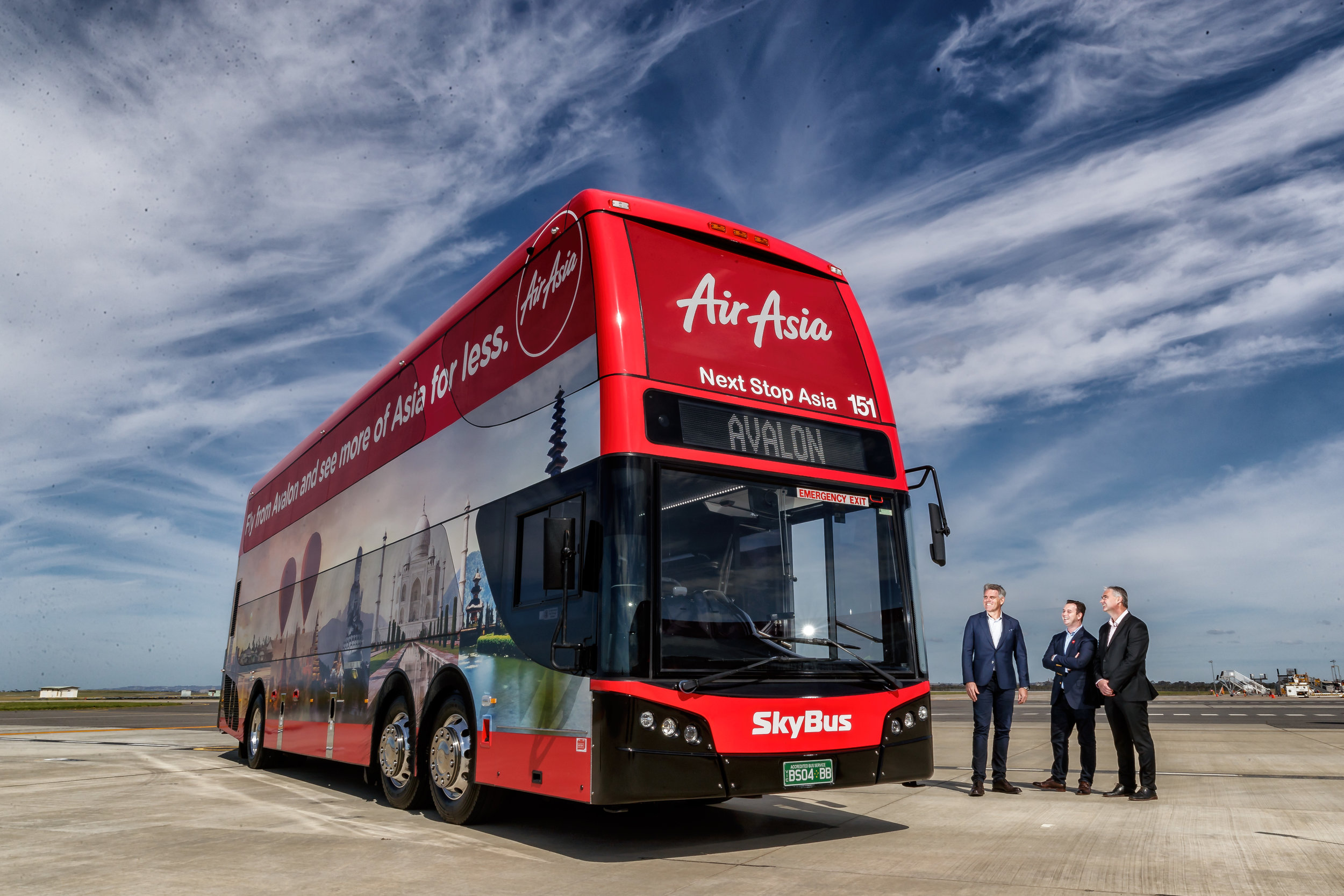 CAPTION : SkyBus Co-CEO, Michael Sewards; AirAsia X Group Head of Commercial, Barry Klipp; Avalon Airport CEO, Justin Giddings at Avalon Airport, Melbourne.