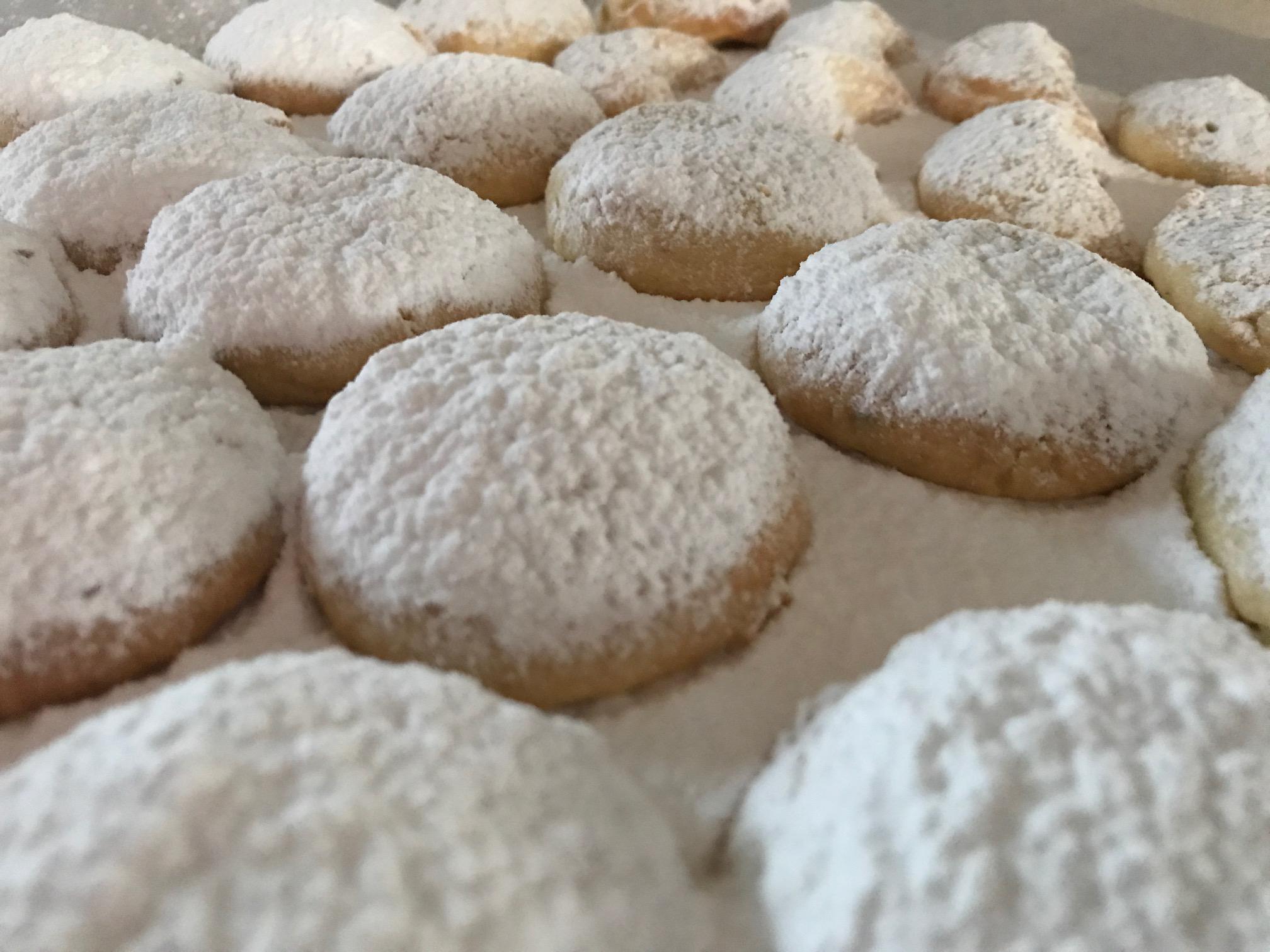 Kourambiethes - Greek Almond Shortbread Recipe