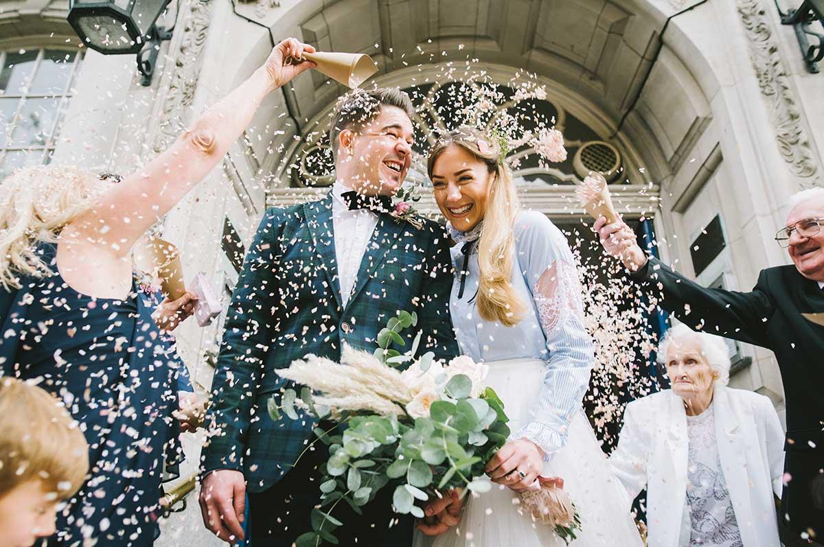 I Shoot Weddings - Take a look...