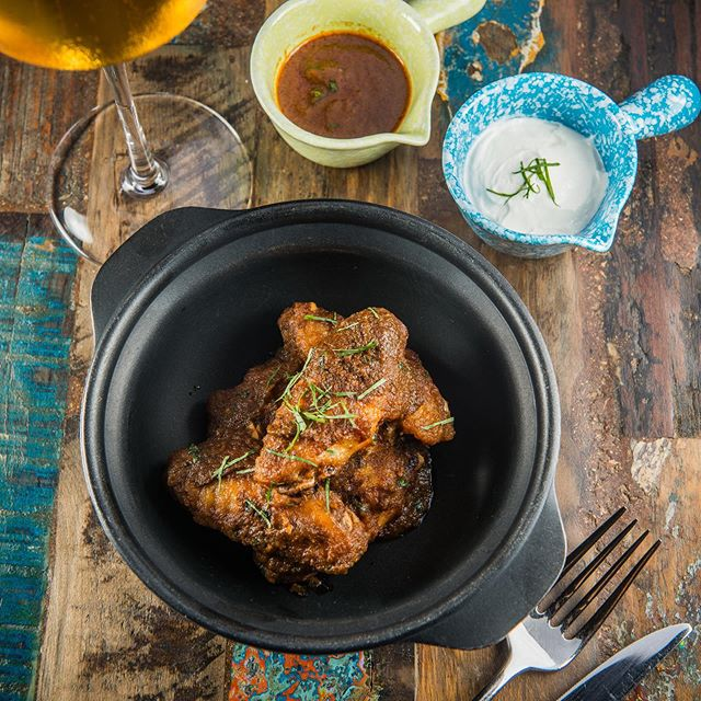 After work snacks? Our vindaloo chicken wings is right on spot to pair along with a nice chilled glass of beer or even to pair with one of our signature cocktails! Don't forget, 20% off on our signature cocktails tonight!
