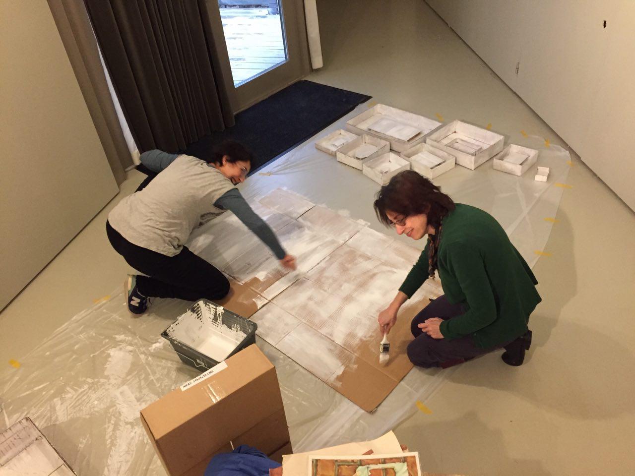 آماده سازی آثار برای نمایش در موزه