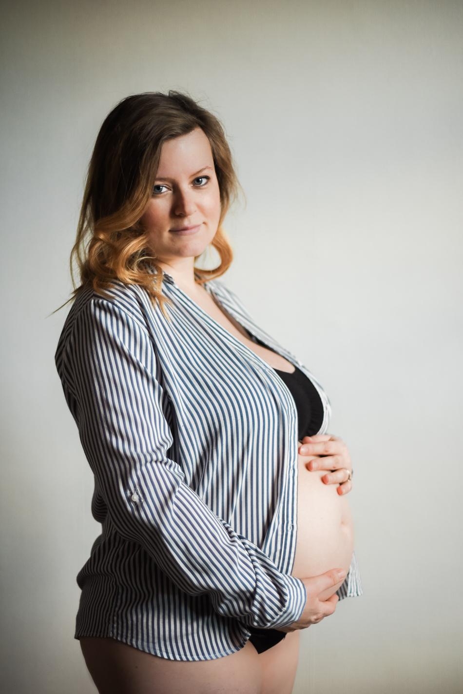 Pregnancy-Portrait-Boudoir-AnaisStoelen-3.jpg
