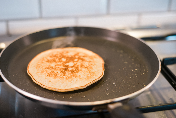Healthy-delicious-oatmeal-banana-pancakes-3.jpg