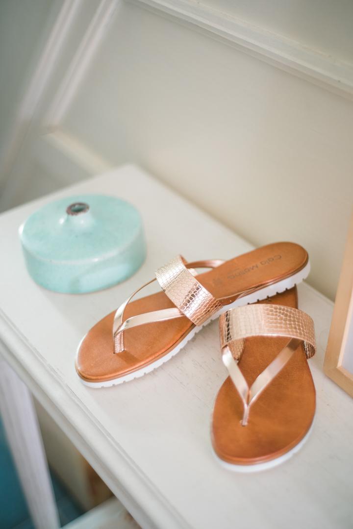 RoseGold-Metallic-Sandals-Pronti-Shopping-AnaisStoelen-3.jpg
